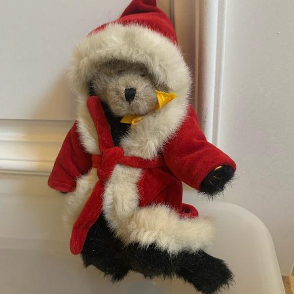 Boyd's Bears Stuffed Christmas Bear with Robe